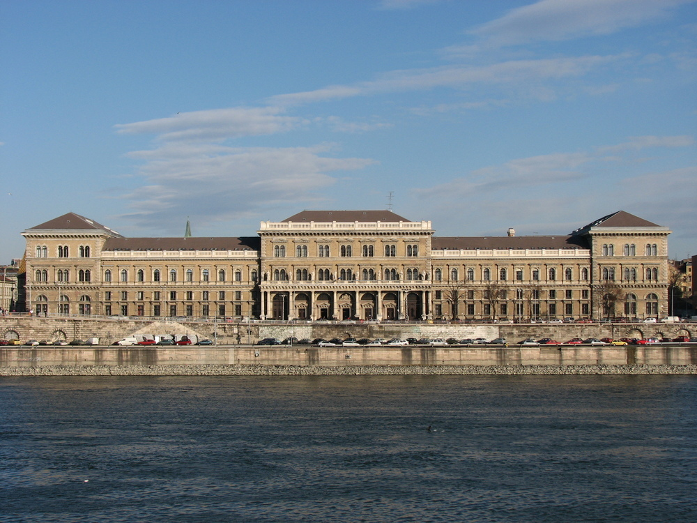 SolBridge signs Academic Cooperation with Corvinus Business School in Budapest, Hungary